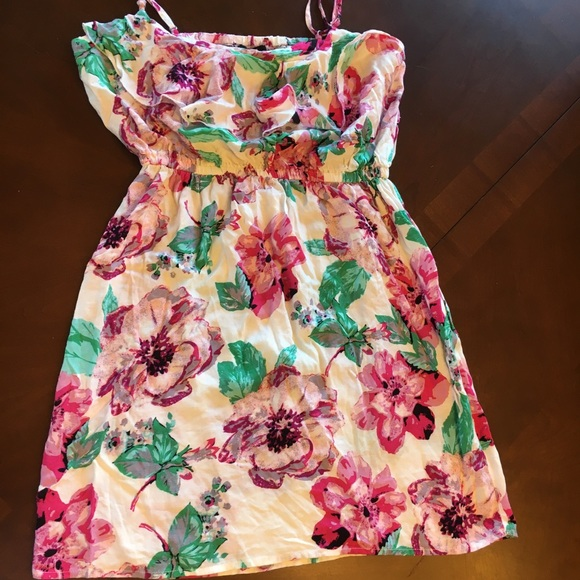Rue21 Dresses & Skirts - RUE 21 RAYON white floral strappy spring Dress